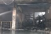 Bà hỏa thiêu rụi xưởng sửa chữa xe máy cùng nhiều ki ốt tạp hóa