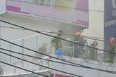 Quán kem nổ lớn, 5 nữ nhân viên nhảy lầu thoát thân