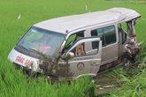 Xe tải gây tai nạn liên hoàn, 5 người thương vong
