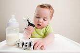 Chọn sữa cho con, các mẹ hay sai điểm nào?