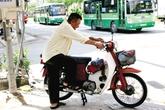 Thu hồi xe gắn máy cũ: Giải pháp nào cho người nghèo?