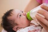 Dấu hiệu trẻ bị dị ứng sữa