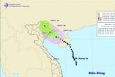 Hàng trăm khách kẹt ở đảo Cô Tô vì bão