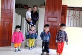 Chuyện của những đứa trẻ theo chân mẹ vào trại giam