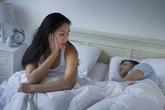 Cám cảnh chồng vô trách nhiệm nhưng bỏ thì không đành
