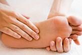 Bệnh nguy hiểm từ tê chân tay