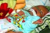 Tin mới nhất về em bé bị đẻ rơi trong nhà vệ sinh
