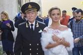 Ở tuổi 84, nam diễn viên gây sốc khi lấy vợ kém 60 tuổi