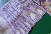 Đại gia rởm 'mua vui' bằng USD giả