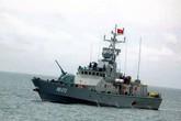 Tàu hải quân đón 1.500 khách du lịch từ Cô Tô vào đất liền