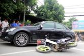 Vợ tố bị chồng đâm ngã bằng ôtô Mercedes