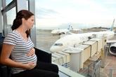 Kỹ năng bà bầu cần biết để đi máy bay an toàn