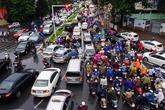 Giao thông Hà Nội rối loạn sau mưa lớn