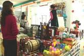 Sính ngoại, người Việt phải mua hàng cao gấp đôi giá thực