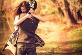 """Trang Hạ: """"Trong tình yêu, hãy tự ra đi, đừng để bị đuổi"""""""