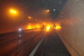 Xe tải bốc cháy trong hầm Hải Vân