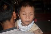 Vòng tay Nhân ái (MS 70): Hành trình Nhân ái lại đến với bé mù hai mắt