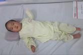 Cậu bé 28 tháng tuổi lao màng não phải chuyển qua BV Châm cứu TƯ điều trị
