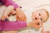 Có nên mua máy xông mũi họng cho trẻ ?
