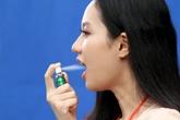 Xịt thơm miệng có thay thế được kem đánh răng, nước súc miệng không?