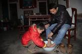 Rơi nước mắt chuyện bé 8 tuổi nhịn đói hi vọng cứu sống cha