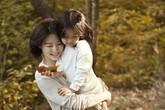 Mùa thu bình yên ở làng của Lee Young Ae và hai thiên thần nhỏ