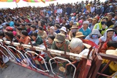 Hàng ngàn người chen chân nghe sát thủ vụ thảm án Bình Phước thú tội