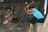 Bố mẹ thợ rèn nuôi ba con đậu ĐH Y Hà Nội