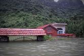 Hải Phòng: Hoảng hồn nhìn làng Việt Hải chìm trong mưa lũ