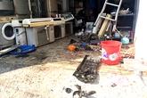 Kinh hoàng ba thanh niên bị hất tung sau vụ nổ bình gas