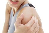 Có nên uống nước sắc lá cây trị đau khớp?