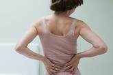 Cách giữ cột sống khỏe để tránh đau lưng khi 'yêu'