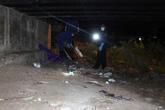 Phát hiện thi thể bên xe máy khóa cổ dưới gầm cầu