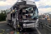 Thiếu nữ chết thảm sau cú đâm xe khách kinh hoàng