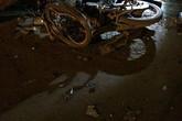 Hà Nội: Tai nạn kinh hoàng trước cổng nhà tang lễ Thanh Nhàn