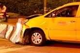 Gia đình Việt kiều Pháp gặp nạn trong taxi