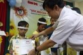 Trao 18 suất học bổng cho bệnh nhi Bệnh viện Trung ương Huế