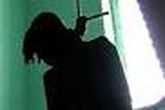 Con trai chủ tịch huyện treo cổ chết tại nhà riêng