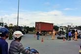 Va phải xe tải, một thợ nề tử vong tại chỗ