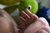 Mẫu thuẫn gia đình, mẹ cho 2 con sinh đôi uống thuốc diệt cỏ