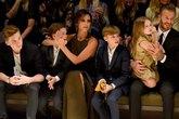 Tâm thư xúc động của bà mẹ 4 con Victoria Beckham về việc làm mẹ