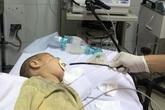 Cục pin hoen rỉ nằm trong thực quản bé gái 17 tháng tuổi