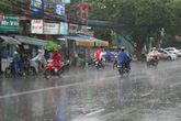 Ngày mai miền Bắc mưa dông, dứt nắng nóng