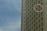 Đi thi Đại học, nữ sinh nhảy từ tầng 22 xuống đất tự sát