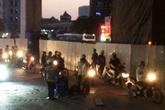 Một công nhân rơi đường sắt trên cao Cát Linh - Hà Đông xuống đất