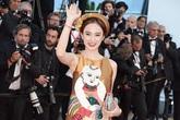 """""""Bà mẹ nhí"""" mang nét độc lạ trẩy hội thảm đỏ Cannes"""