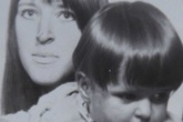 Cuộc chiến để được nuôi con của thiếu nữ 16 tuổi
