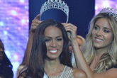 Bị tước vương miện, Hoa hậu Florida đâm đơn kiện