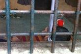 Nghi can trộm tài sản treo cổ trong nhà tạm giữ