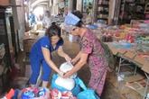 Quảng Trị: Dân đổ xô đi mua muối, mắm dự trữ